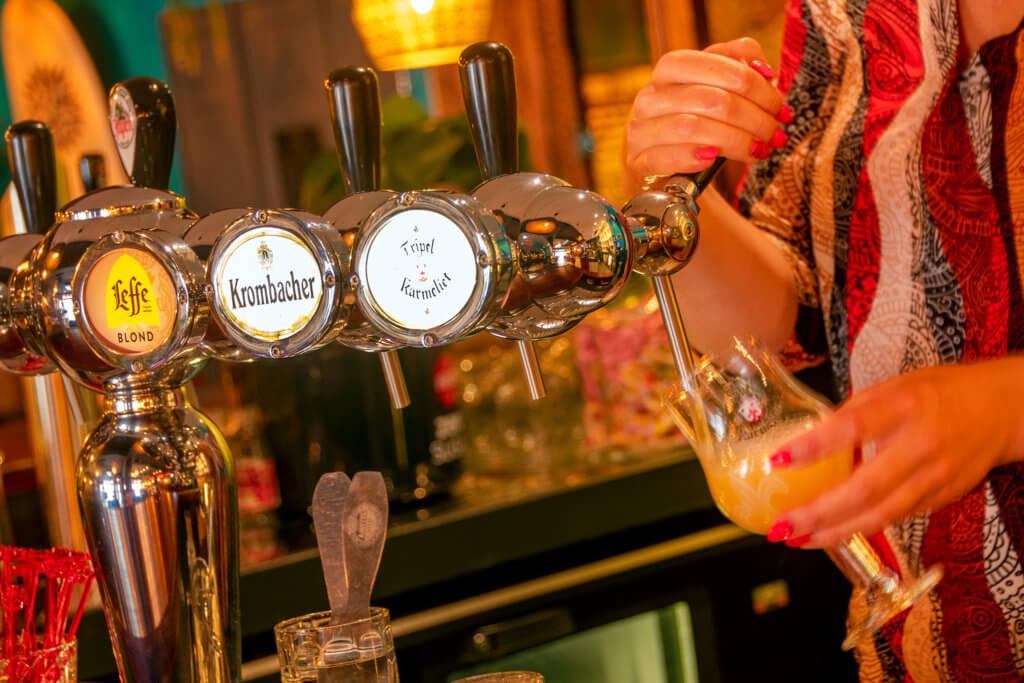 Uitgebreide bier- en wijnkaart